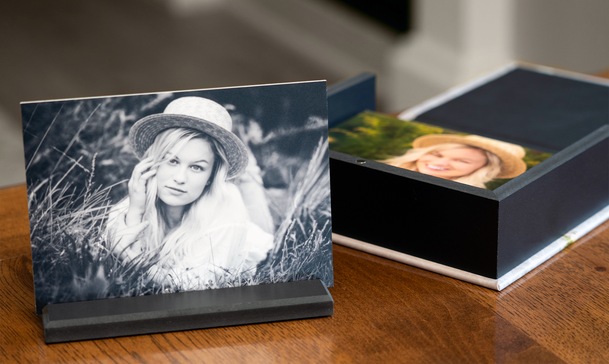 Image Box with Double Sided Prints and Print Stand